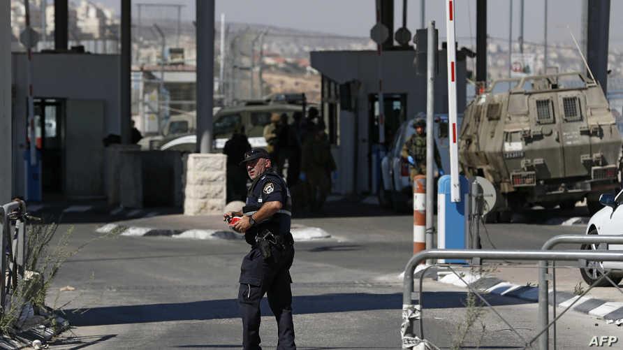إجراءات أمنية مشددة في أحد الحواجز الإسرائيلية إثر محاولة هجوم- أرشيف