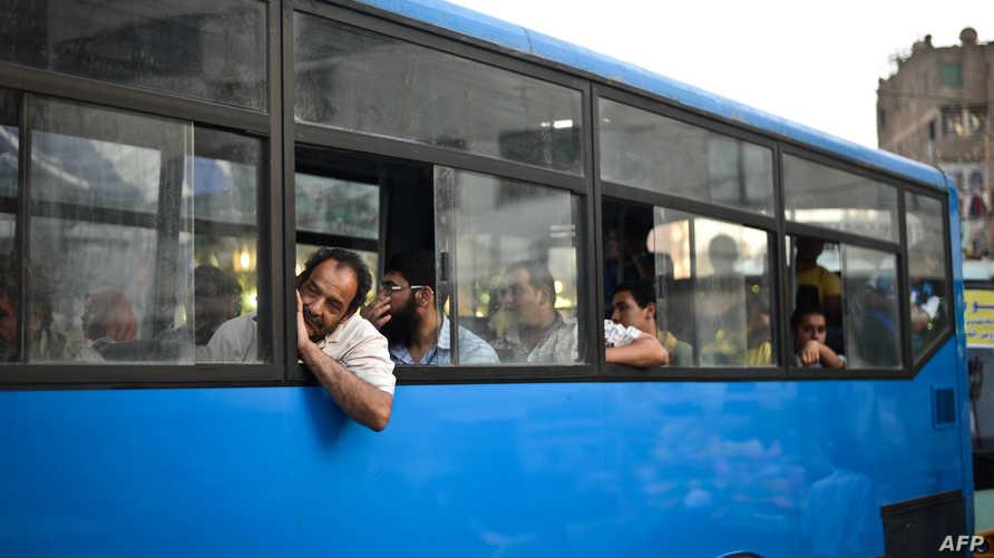 حافلة نقل عام في القاهرة - أرشيف