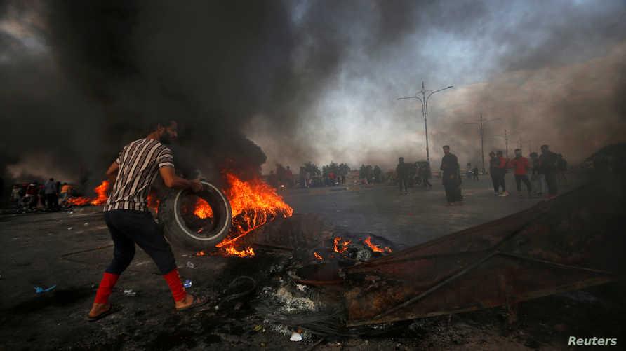 جانب من الاحتجاجات المتواصلة في البصرة حيث قتل سبعة أشخاص على الأقل في مظاهرات الأحد- 24 نوفمبر 2019