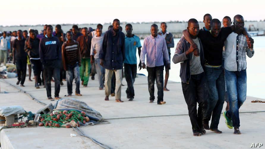 مهاجرون أفارقة وصلوا إلى السواحل الليبية