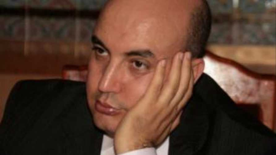 الناشط الجزائري فضيل بومالة