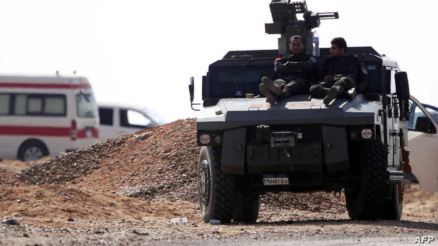 قوات مصرية في موقع هجوم الواحات_أرشيف