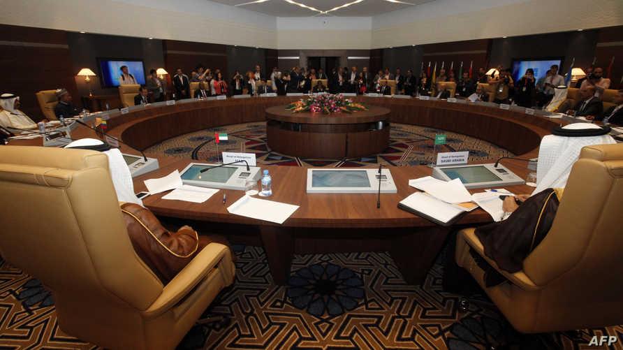 جانب من اجتماع منظمة أوبك في الجزائر الاربعاء.