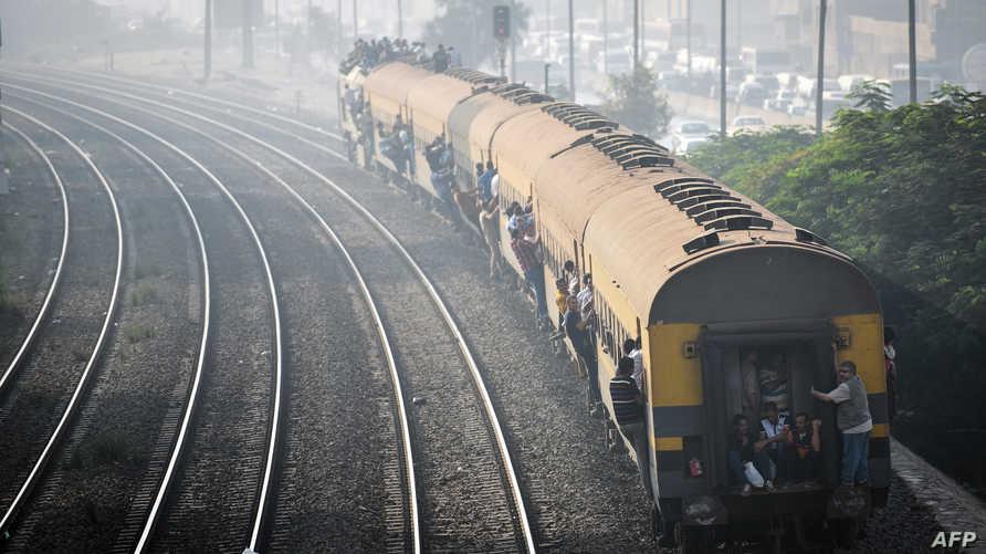 قطار في القاهرة - أرشيف