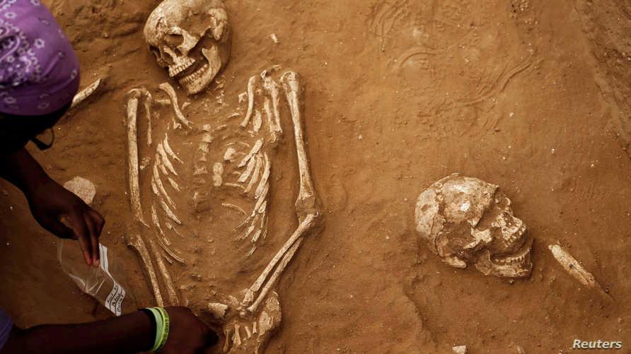 علماء آثار أميركيون يكشفون في عسقلان عن أول مقبرة من نوعها للفلسطينيين القدماء