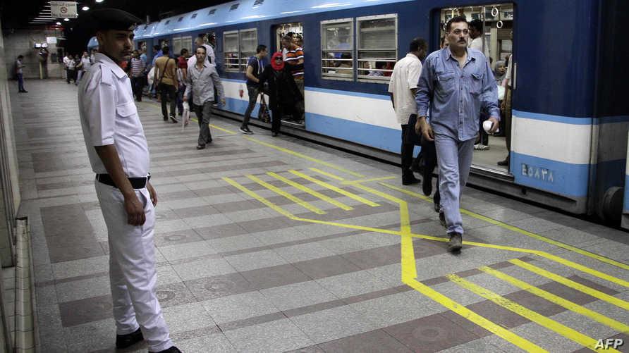 """محطة مترو أنفاق """"أنور السادات"""" وسط القاهرة بعد إعادة فتحها في حزيران/يونيو 2015"""