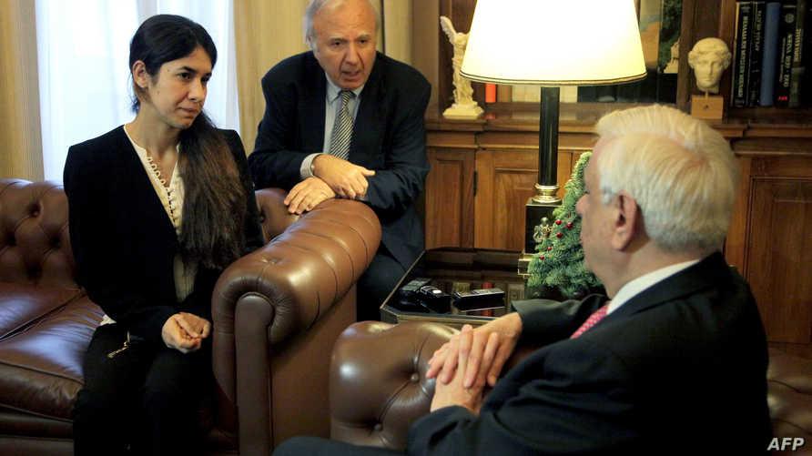 نادية تتحدث إلى الرئيس اليوناني-أرشيف