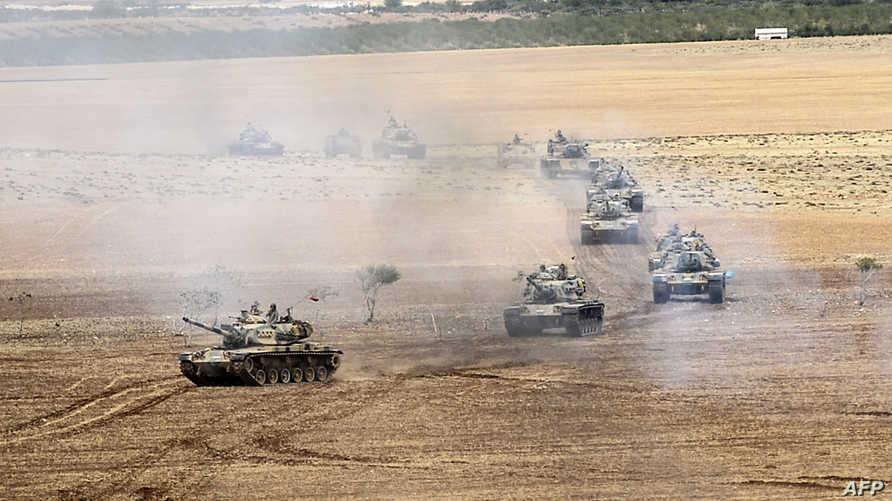قوات تركية قرب الحدود السورية