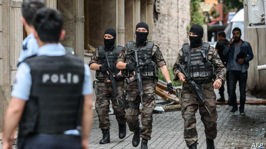 القوات التركية تطوق مكان الانفجار