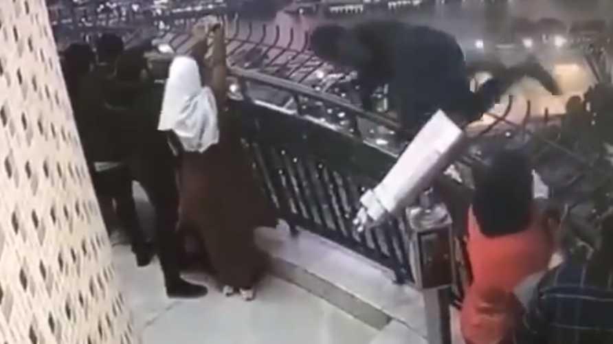 لقطة من فيديو انتحار الطالب بكلية الهندسة