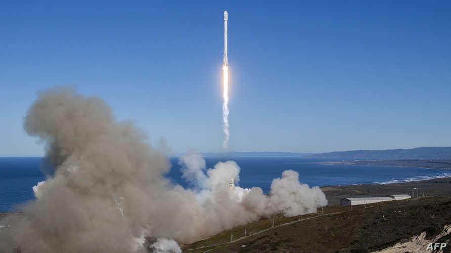 صاروخ تابع لشركة سبيس أكس