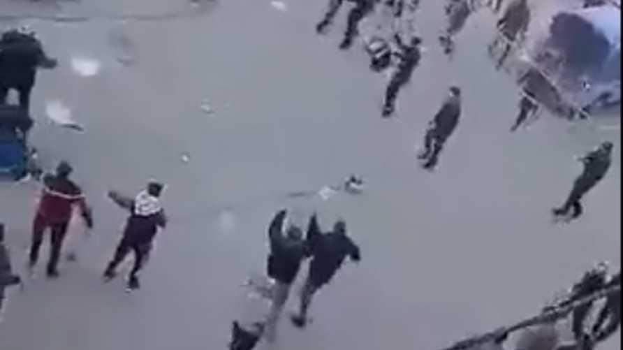 عناصر أمن حماس يطلقون النار على محتجين في غزة