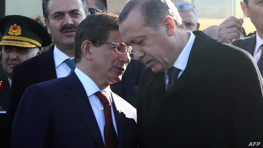 رئيس الوزراء تركيا السابق أحمد داوود أوغلو رفقة الرئيس التركي رجب طيب أردوغان