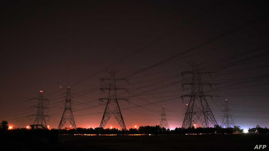 أعمدة الكهرباء في مدينة الكويت
