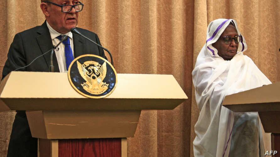 وزير الخارجية الفرنسي جان إيف لودريان في مؤتمر صحفي مع نظيرته السودانية أسماء محمد عبد الله