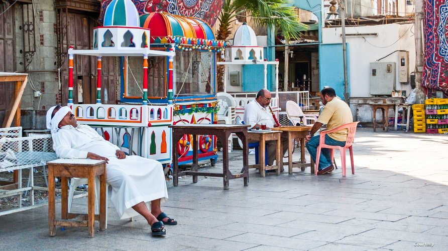 في أحد شوارع جدة