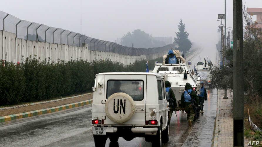 قوة من اليونيفيل على الحدود بين لبنان وإسرائيل
