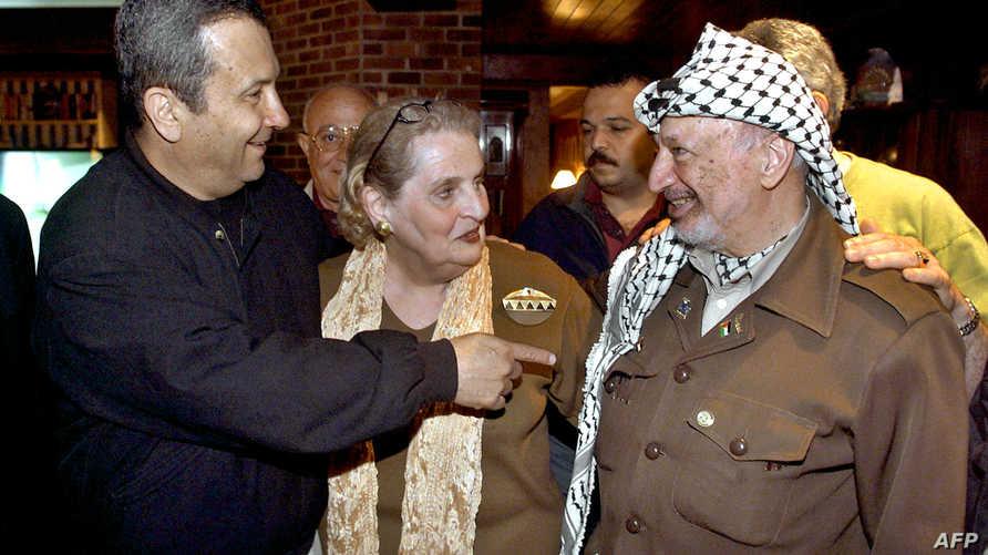 عرفات وباراك في منتجع كامب دايفيد عام 2000