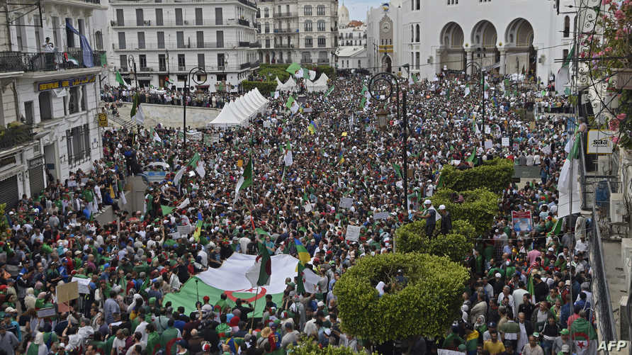 الجمعة 13 بالجزائر