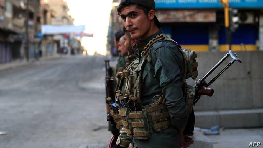 جنود أكراد في القامشلي