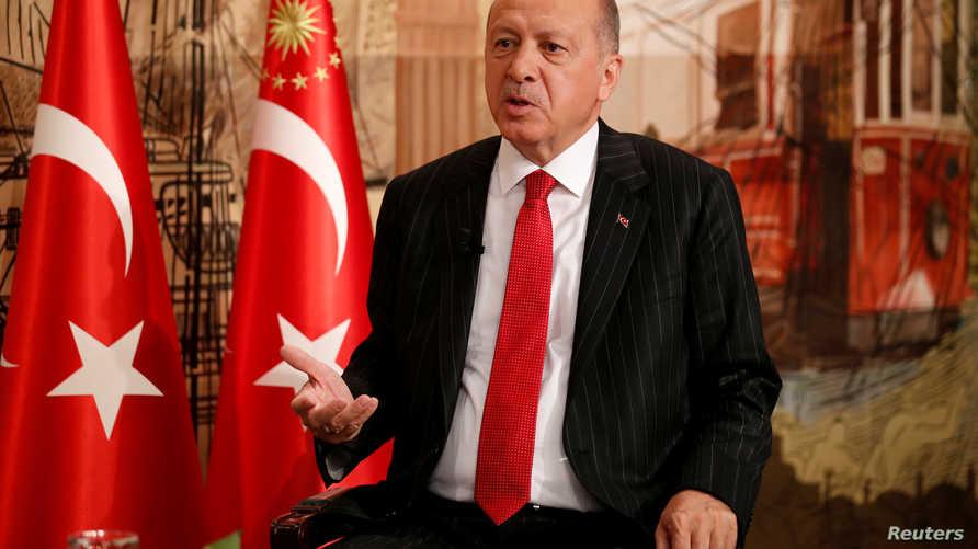 الرئيس التركي رجب طيب أردوغان خلال المقابلة مع رويترز