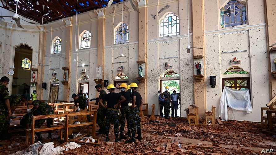 دمار داخل كنيسة تعرضت لهجوم في سريلانكا