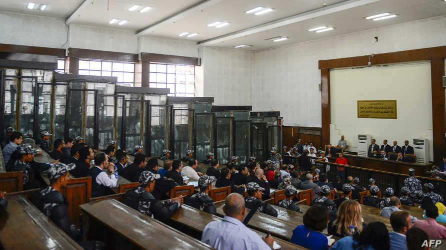 خلال إحدى جلسات محاكمة موقوفين من الإخوان المسلمين