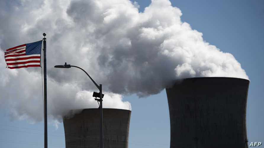 دخان متصاعد من محطة نووية في ولاية بنسلفانيا الأميركية