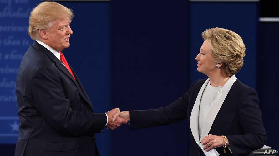 كلينتون وترامب بعد انتهاء المناظرة الثانية بينهما