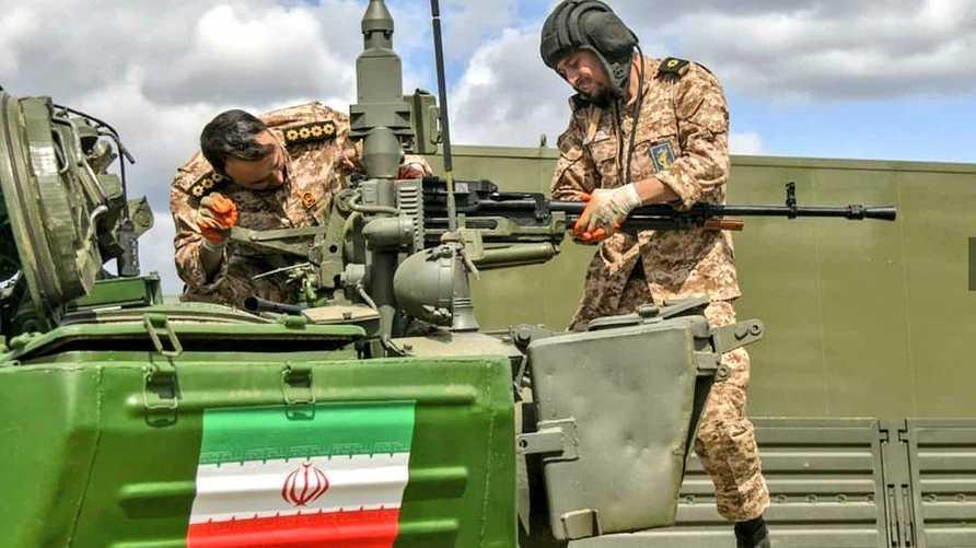 طاقم دبابة إيرانية شارك في المسابقة الروسية
