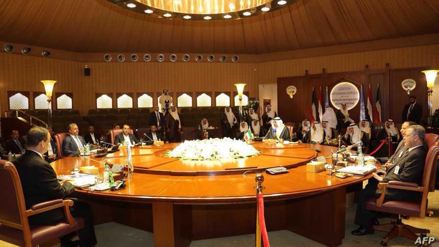 جلسة سابقة للمحادثات اليمنية في الكويت