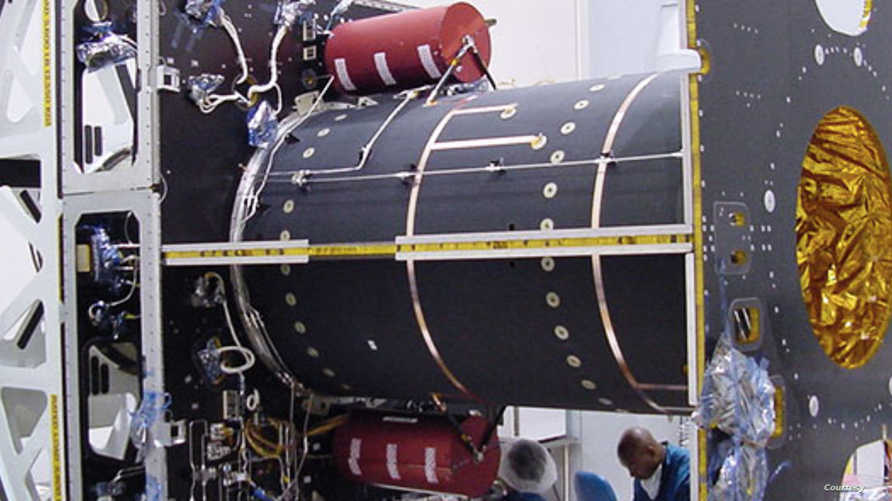 """قمر """"آسيا سات 5"""" من تصنيع شركة """"بوينغ"""" الأميركية"""