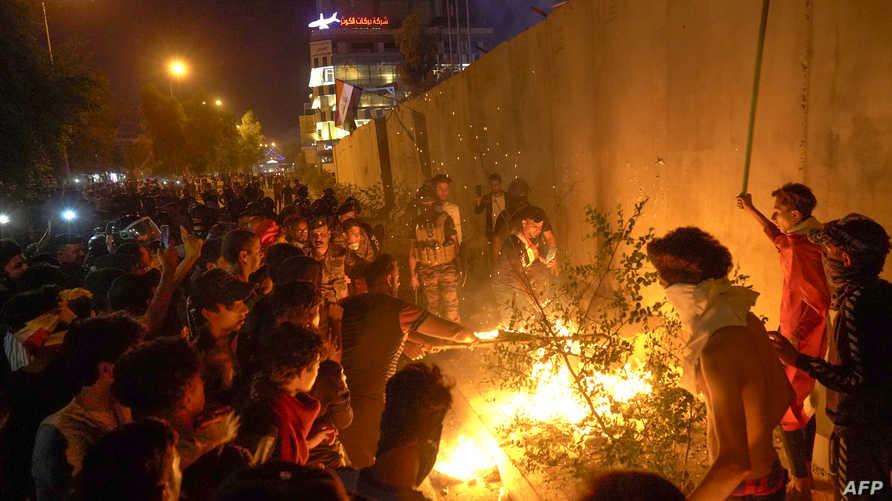 """""""يتهم المحتجين طهران بالوقوف وراء النظام السياسي العراقي """"الفاسد"""