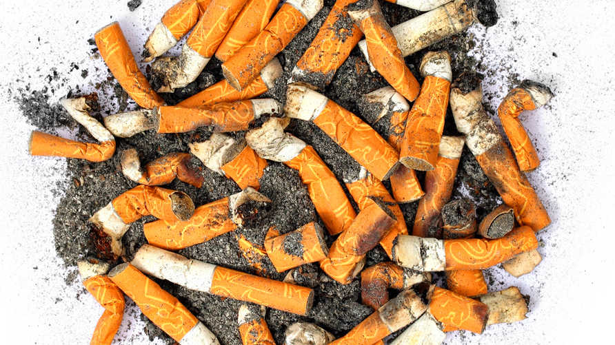 تخلص من جميع منتجات التبغ وأعواد الكبريت والولاعات وصحون السجائر، حاول التخلص من روائح الدخان من بيتك وسيارتك