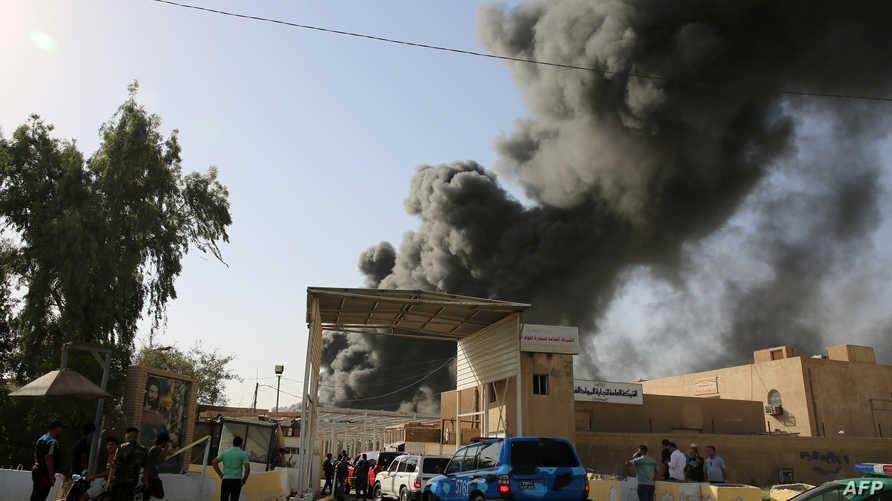 الدخان يتصاعد من موقع الحريق في بغداد