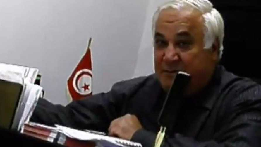 رجل الأعمال التونسي فتحي دمق المتهم بالتخطيط لاغتيالات كما ظهر في فيديو على يوتيوب