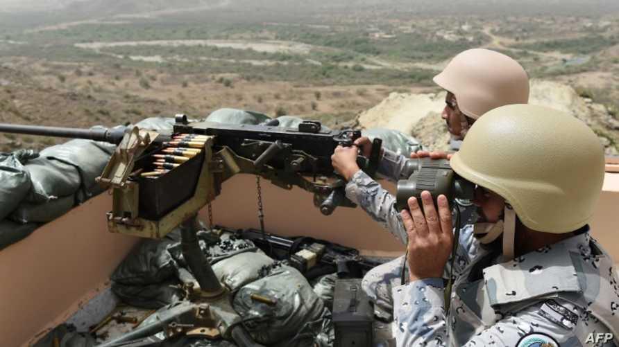 جنديان سعوديان عند الحدود مع اليمن