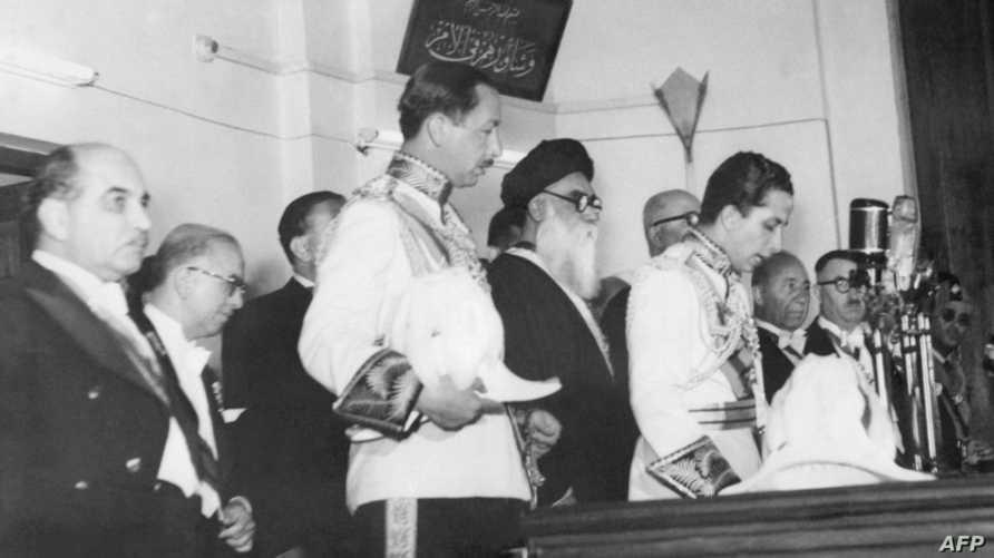 الملك فيصل الثاني خلال قسم اليمين أمام البرلمان العراقي عام 1953