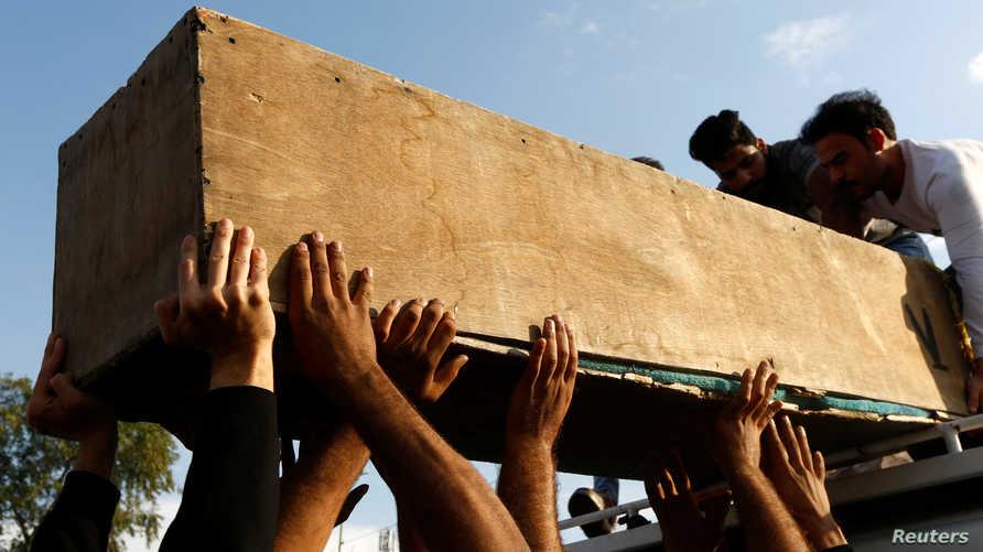 عشرات القتلى سقطوا الخميس في العراق.