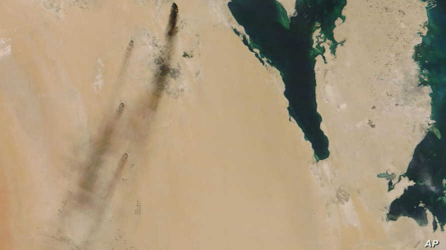 صورة للحرائق بقيق وخريص من الفضاء