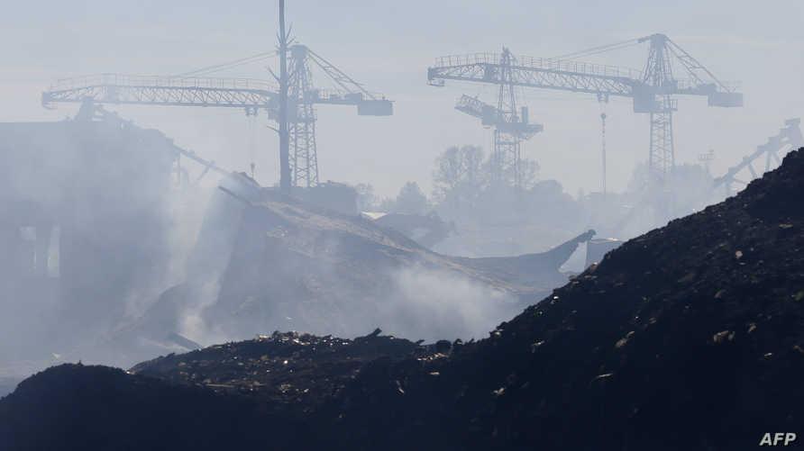 الدخان يتصاعد من حرائق في مناطق بسيبيريا