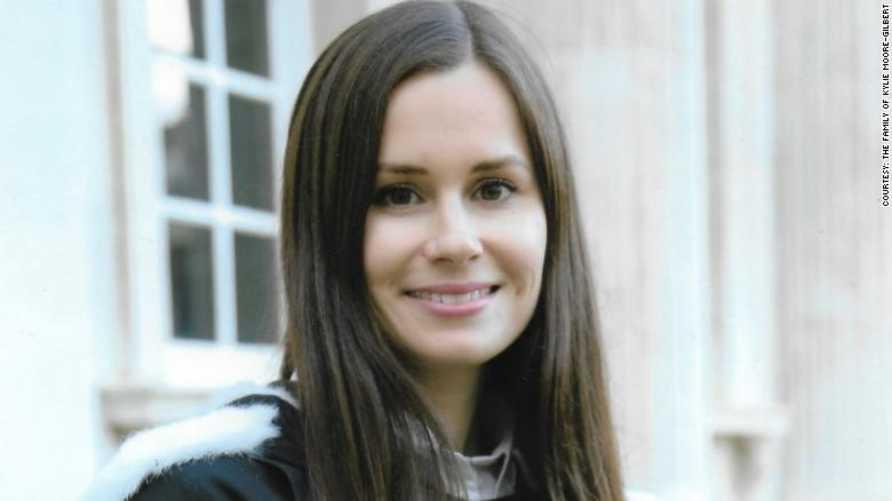 الاستاذة الجاامعية كيلي مور  وهي استرالية معتقلة في إيران