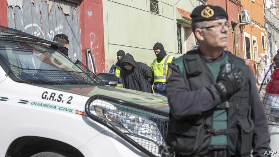 عناصر من الشرطة الإسبانية