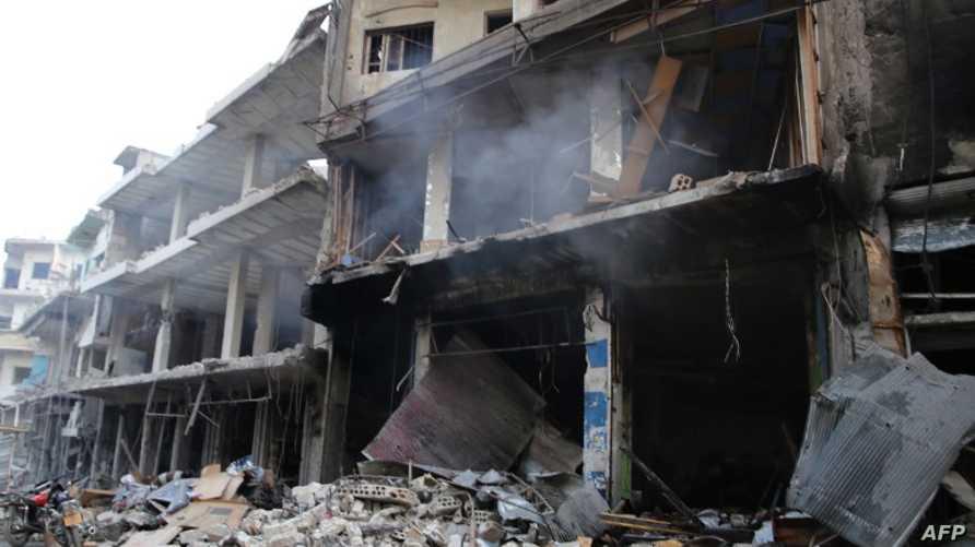 آثار قصف على إدلب تقول المعارضة إنه روسي في 25 أيلول/ سبتمبر