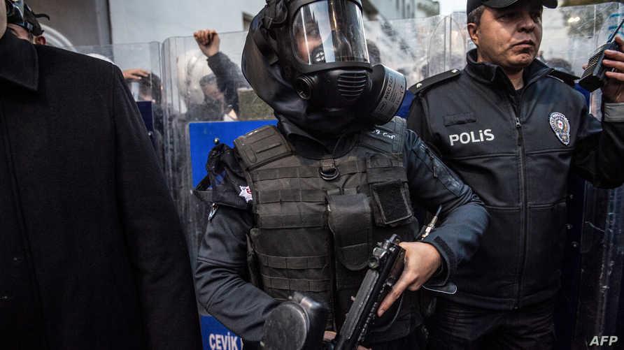 الشرطة التركية خلال مظاهرة