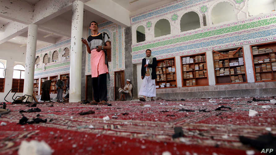 آثار الاعتداء على مسجد في صنعاء