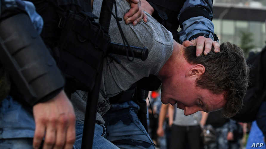 الشرطة الروسية توقف نحو 1400 شخص تجمعوا في موسكو