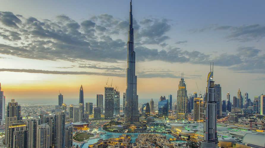 منظر عام لمدينة دبي حيث يظهر برج خليفة الأعلى في العالم