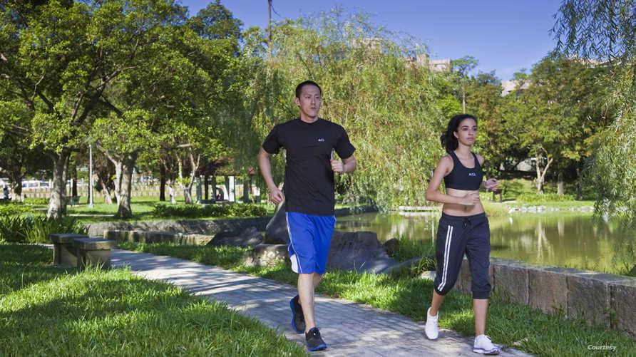 بايومان BioMan هو قميص ذكي يقيس العلامات الحيوية مثل معدل ضربات القلب ومعدل التنفس ودرجة حرارة الجسم ورطوبة الجلد.