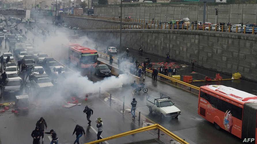 سقط العشرات في احتجاجات العراق